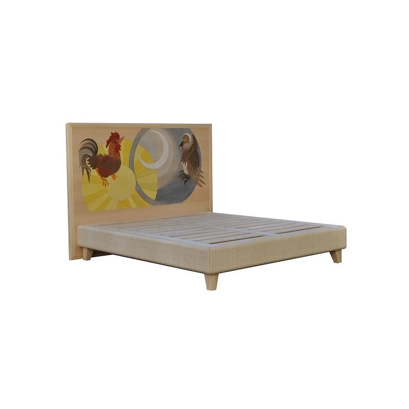 Letto in legno massello con testata decorata