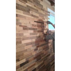 Legno di recupero. Rivestimento in legno con varie essenze proveniente da seconde lavorazioni